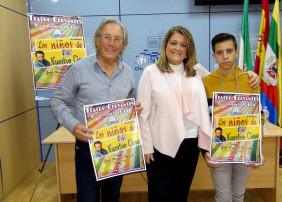 La concejal de Cultura, Ángeles Isac presenta el musical acompañada por Elíseo Peris y Juanma Guzmán